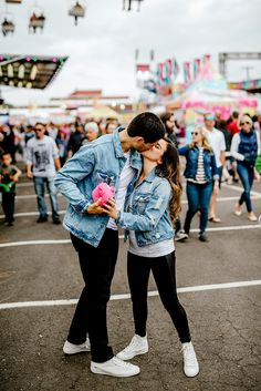 Photo by Karina and Maks photographyCarnival engagement session! Photo by Karina and Maks photography Matching Couple Outfits, Twin Outfits, Matching Couples, Date Outfits, Outfits For Teens, Trendy Outfits, Fashion Outfits, Couples Assortis, Cute Couples Goals
