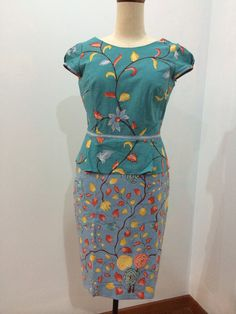 Batik Kebaya, Batik Dress, Batik Parang, Batik Fashion, Traditional Fabric, Ethnic Dress, Dress Sewing Patterns, Ikat, Ready To Wear