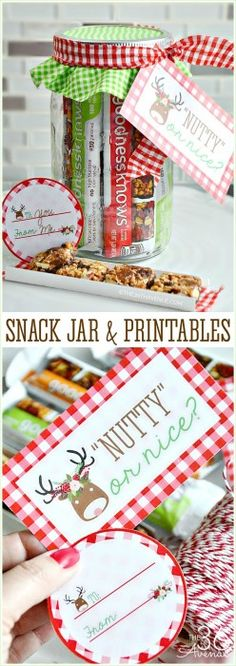Today I'm sharing a delicious snack idea and a handmade gifts all at once! For this Snack Jar Easy Gift Idea I chose the delicious goodnessknows snack squares! What can I say? When it comes to gifts I like to share the best! These yummy snack is made with whole nuts, real fruits, toasted oats...