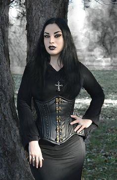 Model: Kali Noir Diamond Photo: Vanic Photography Dress & necklace: Dark in love/ Gothlolibeauty Corset: True Corset Welcome to Gothic and Amazing |www.gothicandamazing.com