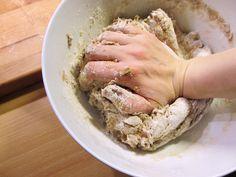 Maltaalla ryyditetty joululimppu – Malted Christmas Bread Christmas Bread, Rye, Pork, Meat, Kale Stir Fry, Holiday Bread, Pork Chops, Rye Grain
