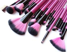 Who loves pink?  Introducing our limited edition Bella Rosa Collection - 22 pretty in pink brushes to add to your makeup arsenal.  Shop kireicosmetics.com.  Link in bio #kireicosmetics  #youarebeautiful #kirei #crueltyfreebeauty #instamakeup #beautyblogger #beauty #inspiration #naturalbeauty #makeuplover #beautyaddict #beautyqueen #brushes #makeupbrushes #makeupbyme #makeupjunkie #cosmetics #muapro #mua #1minutemakeup #beautyguru #crueltyfree #beauty #beautywithoutbunnies #makeuphaul…