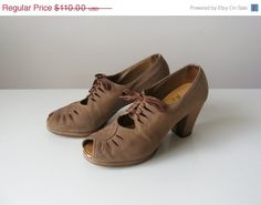 SALE vintage 1930s shoes / 30s shoes / Chocolate Creme by Dronning, $82.50