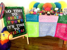 Your source for both fabulous customized printable and fully assembled party designs! Cactus Cupcakes, Party Themes, Party Ideas, Party Like Its 1999, Tissue Paper Flowers, Fiesta Party, Grad Parties, 3rd Birthday, Maya