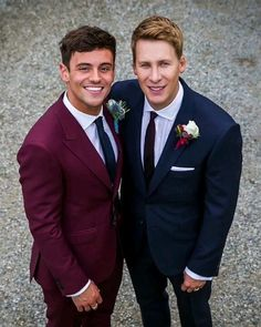 British Olympic diver Tom Daley and American screenwriter Dustin Lance Black were married on May 6, 2017 in England.