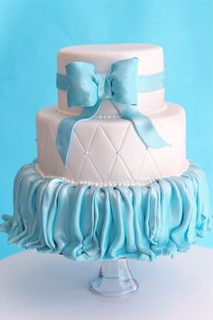 Tiffany themed wedding cake