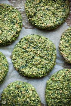burgers-with-spinach and millet. Veg Recipes, Vegetarian Recipes, Tabouli Salad Recipe, Healthy Recepies, Slow Food, Foods With Gluten, Vegan Dinners, Tasty Dishes, Quick Meals