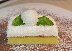 Kokosové řezy - TopRecepty.cz Vanilla Cake, Cheesecake, Pudding, Desserts, Food, Tailgate Desserts, Deserts, Cheesecakes, Custard Pudding