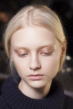 Metallic Eye Shadows: If you want a neutral eye look but with a touch of shine, then try this look from Helmut Lang.