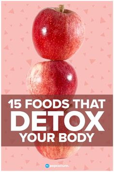 Trying to get back on track with your healthy lifestyle and diet? You might think a strict cleanse or detox is the answer. No need to go to extremes! Instead, try incorporating these 15 nutritious foods into your diet that will detox your body naturally! Whole Body Cleanse, Body Detox Cleanse, Detox Your Body, Stomach Cleanse, Healthy Cleanse, Best Detox Foods, Coconut Health Benefits, Cleanse Recipes, Juice Recipes