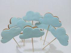 Biscoito no palito sabor baunilha em formato de nuvem. R$4,40
