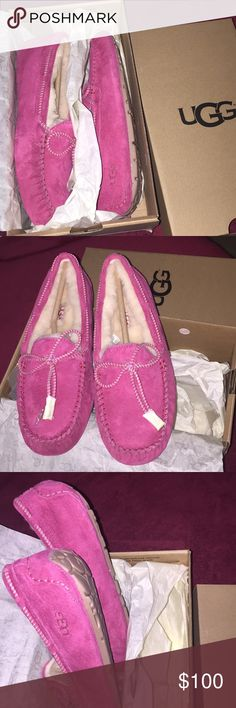 Uggs slippers women size 8 Pink color very pretty women size 8 UGG Shoes Slippers