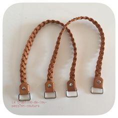 Superbe lot de 2 anses de sac de 50cm couleur marron .  Matières/composant: -2 anneaux argent sur chaque anses  - Tresser avec du simili cuir    Différents modèles et colo - 6254449