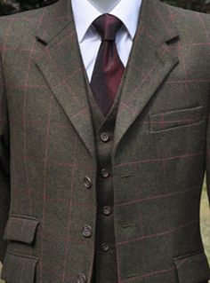 Kilberry Tweed Three Piece Suit  Wow I didnt know these were available..thought they circulated out of the market ages ago.. this is awesome! Definitely bookin these!