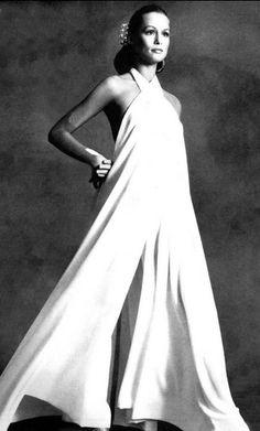 Lauren Hutton by Irving Penn for Vogue, 1972 vintage fashion Margaux Hemingway, Mariel Hemingway, Fashion Images, 70s Fashion, Fashion History, Fashion Models, Vintage Fashion, Lauren Hutton, Moda Vintage