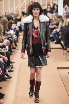 82ce46a1b63f8 Tod s Fall 2016 Ready-to-Wear Fashion Show - Heather Kemesky 2016 Fashion  Trends