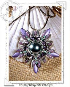 by Kovács Éva Photo Jewelry, Bead Weaving, Beading, Brooch, Photos, Curls, Pearl Pendant, Brooch Pin, Beads