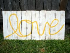 I want to make a sign like this for our guest room.  Maybe for @Sherry @ Young House Love's next Pinterest challenge....