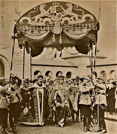 HHMM King Ferdinand and Queen Marie of Romania - Coronation at Alba Iulia Ferdinand, Romanian Royal Family, Queen Victoria Family, Royal Crowns, House Of Windsor, Royal Jewelry, Kaiser, King Queen, Crown Jewels