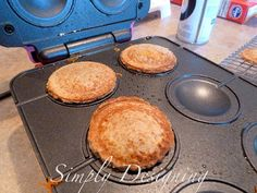 Simply Designing with Ashley Phipps: Grilled Cheese with babycakes Pie Pop Maker Mini Pie Recipes, Pastry Recipes, Gourmet Recipes, Kid Recipes, Savoury Baking, Savoury Cake, Savoury Pies, Breville Pie Maker, Babycakes Recipes