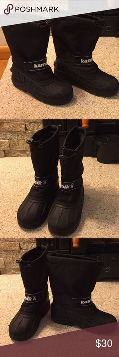 Kids KAMIK Black Snow Boots Size 2 Unisex Kids KAMIK PAC Style Snow Boots. Perfect for snowy winter days! Previously loved but in very nice condition! Removable inner lining keeps feet warm and dry. Kamik Shoes Boots