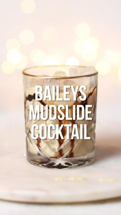 holiday drinks Mudslide is a delicious drink made with Baileys, vodka and Kahlua the perfect sweet cocktail for lovers of Baileys Irish Cream. Learn how to make the classic Mudslide cocktail plus a few variations including the Frozen Mudslide! Mudslide Drink, Baileys Drinks, Baileys Recipes, Liquor Drinks, Baileys Mudslide Recipe, Dessert Drinks, Chocolate Alcoholic Drinks, Alcoholic Coffee Drinks, Fireball Recipes