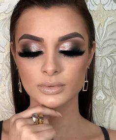 simple makeup looks for teens Silver Eye Makeup, Glam Makeup Look, Makeup Style, Makeup Inspo, Makeup Inspiration, Makeup Tips, Dance Makeup, Kiss Makeup, Make Up Looks