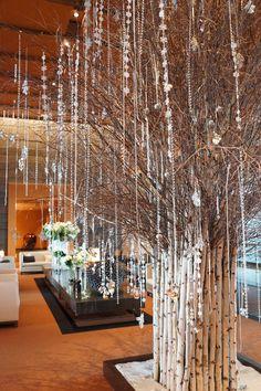 The hotel lobby full of Christmas delights at Mandarin Oriental, Tokyo. http://www.mandarinoriental.com/tokyo/