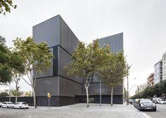 Roger-Méndez-.-Escola-dels-Encants-.-Barcelona-2.jpg (1200×857)