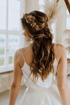 Half Up Wedding Hair, Wedding Hairstyles Half Up Half Down, Wedding Hairstyles For Long Hair, Wedding Hair And Makeup, Hairstyle Wedding, Flowers In Wedding Hair, Bohemian Wedding Hairstyles, Wedding Hair Styles, Long Curly Wedding Hair