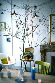 sweet simple holiday tree via caroline briel blog