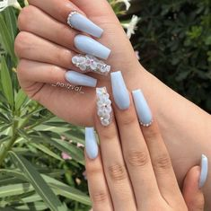 So you want to try acrylic nails, but don't know how to start? Or you have tried before but unsatisfied with the style or the quality of the acrylic n. Blue Acrylic Nails, Simple Acrylic Nails, Summer Acrylic Nails, 3d Flower Nails, Baby Blue Nails, Yellow Nails, Acylic Nails, Coffin Nails Long, Glam Nails