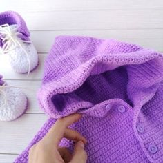 Purple jumpsuit for baby Crochet Baby Clothes, Crochet Baby Shoes, Cute Baby Clothes, Knit Baby Booties, Booties Crochet, Newborn Boy Hats, Sewing Headbands, Girls Coming Home Outfit, Organic Baby Clothes