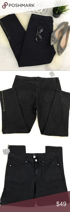 "URBAN OUTFITTERS BDG Ankle Zip cotton moto pants New with tags, no flaws. May have light smudges from store handling. Lightweight crisp cotton twill Ankle zips and moto stitching details.  2% spandex for light stretch  Waist 17.5"" Hip 19"" Rise 10.5"" Inseam 28""  Please review all photos thoroughly  Feel free to ask questions   📎Measurements are approximate  ✏️Save 15% on bundles of 3 or more 👍🏻Reasonable offers welcome! 🚫Sorry no trades ❤️ Urban Outfitters Pants Ankle & Cropped"