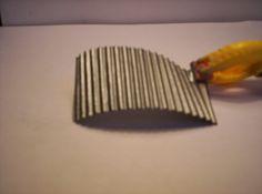 Le petit suisse reconverti en tôle ondulée (ou même matériau autre méthode)