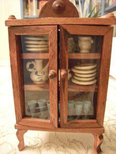 Bambole - arredo casa - mobile cucina in legno anno '60/70  e 22 accessori | Giocattoli e modellismo, Case di bambole e miniature, Altro case e miniature | eBay!