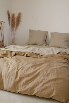 Fall Bedroom Decor, Earthy Bedroom, Linen Bedroom, Linen Duvet, Bedroom Inspo, Home Bedroom, Beige Bed Sheets, Beige Bedding, Linen Sheets