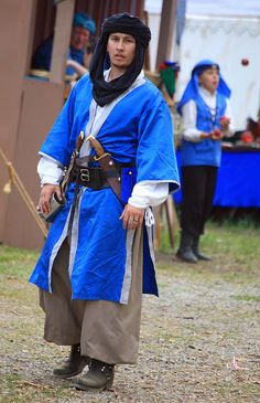 Guarding the blue juggler (IMG_8437a) by Alaskan Dude, via Flickr