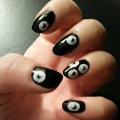 Eye ball nails