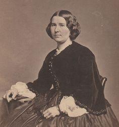 """rare CIVIL WAR  8""""x10"""" YOUNG WOMAN in BEAUTIFUL DRESS 1862 Phila PA Gutekunst"""