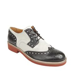 I have always LOVED a saddle shoe......... it must have been all my years in catholic years
