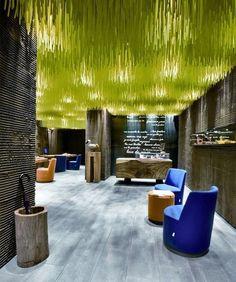 Espectacular juego de luces y de colores ideas дизайн потолка, спа дизайн и Café Design, Store Design, Design Blogs, Lobby Design, Design Ideas, Design Hotel, Retail Interior, Interior And Exterior, Interior Design