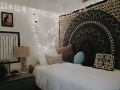 Apartment Decorating College Bedroom Boho Cool Dorm Rooms Ideas For 2019 Cool Dorm Rooms, College Dorm Rooms, College Bedding, College House, College Room Decor, College Life, Dream Rooms, Dream Bedroom, Deco Boheme Chic