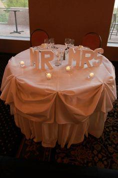 sweetheart table wedding decor simple