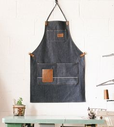 This is rad and on my wish list. :: Winston Work Apron by Red Clouds Collective