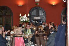 El banquete de bodas de Aitor y Laura en el Palacio de la Misión Table Decorations, Furniture, Home Decor, Wedding Reception, Palaces, Dancing, Pictures, Decoration Home, Room Decor