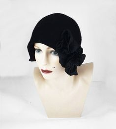 Hey, I found this really awesome Etsy listing at https://www.etsy.com/listing/187418219/cloche-hat-1920s-hat-felt-hat-cloche
