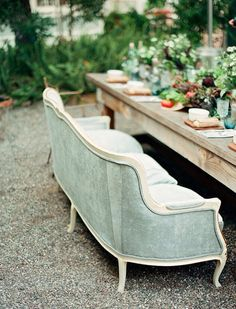 Your guests would love you forever if you endulged them with your favourite French sofa at your garden table. http://bit.ly/FBC-FrenchGardenSofas