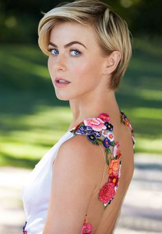 Julianne Hough Talks Brooks Laich Romance in Redbook: Now I'm Not Holding Anything Back | E! Online Mobile