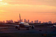 Vliegvelden in New York: welke kiezen? > NYC beschikt over 3 grote vliegvelden: John F. Kennedy, LaGuardia Airport en Newark Liberty International Airport.